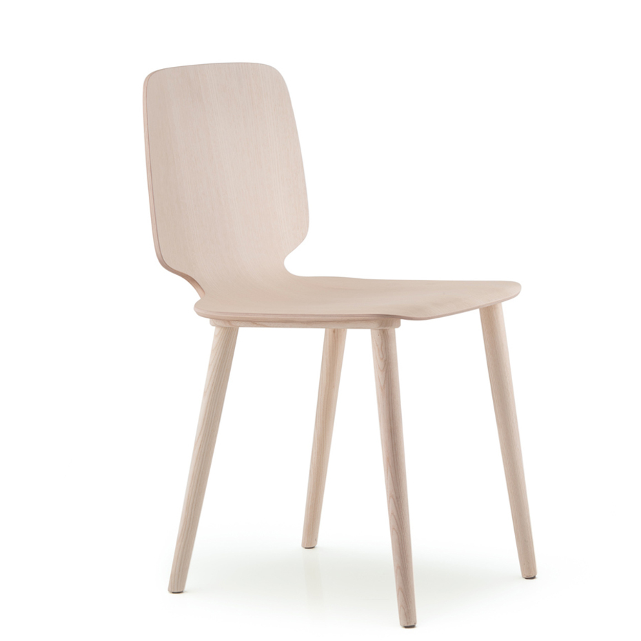 Babila wooden chair by pedrali airy and comfortable sitting for Sitting easy chairs